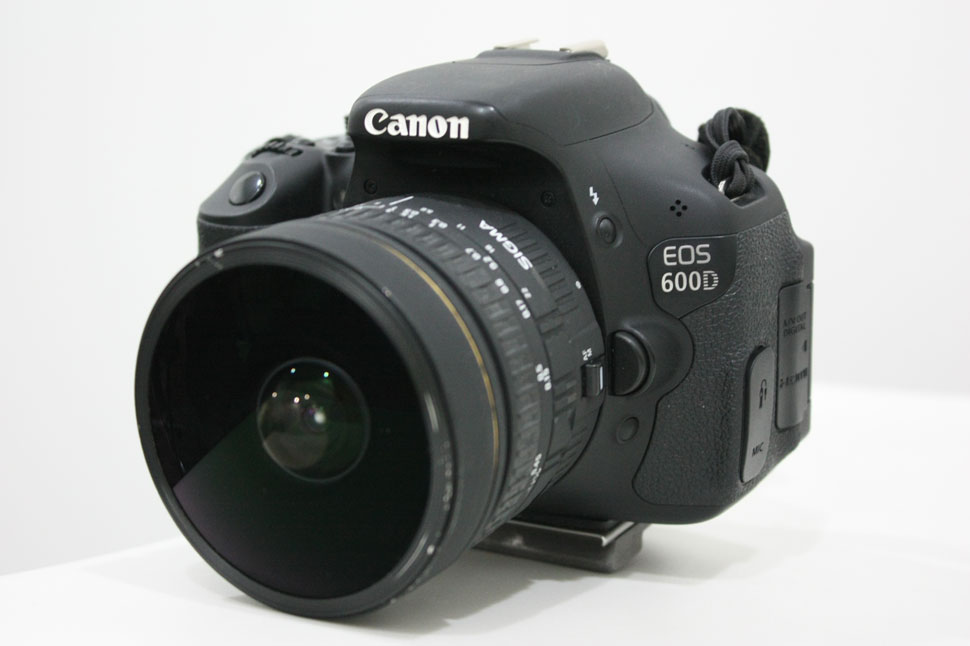 Canon 600d with Sigma 8mm f/3.5 EX DG Circular Fisheye Lens